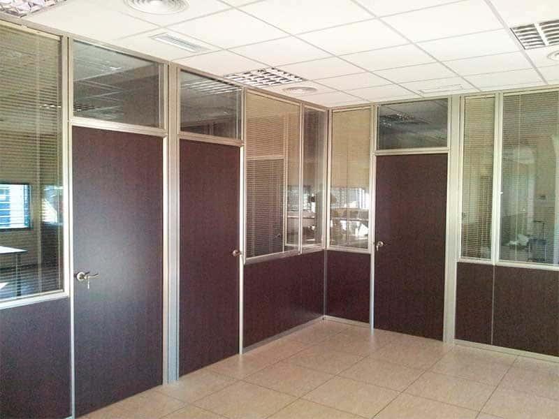 Mamparas de oficina fabricaci n dise o y montaje espa a for Mamparas de oficina precios