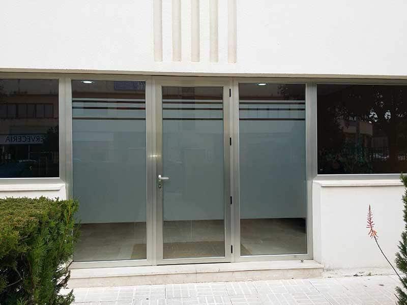 Puertas baratas en sevilla puertas blindadas y acorazadas for Armarios baratos granada